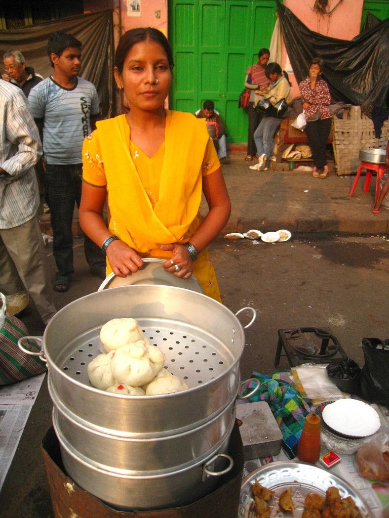 A momo vendor at Tiretta Bazaar. Photo by flippy whale, used under Creative Commons license from Flickr